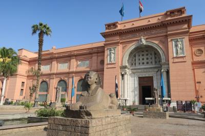 エジプト5日間の旅②~カイロ到着、考古学博物館、マニアル宮殿~