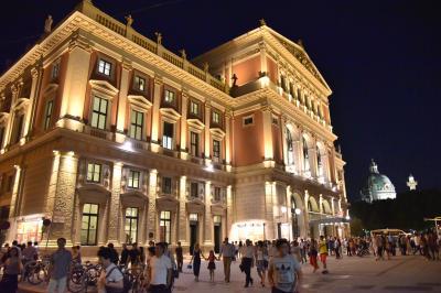 2015年 オ-ストリアの旅(5) ウィ-ン市内観光 王宮 ,聖ペーター教会 ,シュテファン大聖堂,楽友協会で演奏会鑑賞