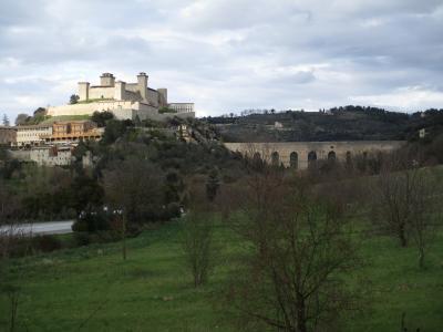 2019年 ウンブリア、トスカーナの小さな街と北イタリア  ①スポレート