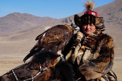 冬のモンゴル・シベリアへの旅2 ウランバートル近郊で イーグルフェスティバル (Eagle festival in Ulanbaatar)