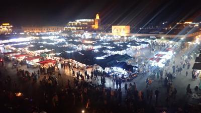 マラケシュのフナ広場のスリ