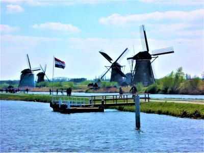 世界遺産の「キンデルダイクの風車」♪