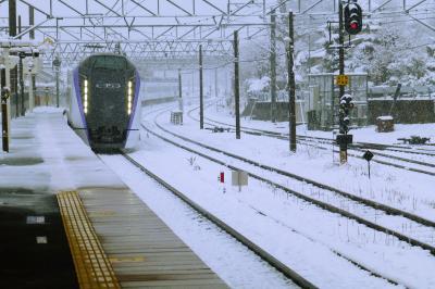 ・・・④まさかの雪景色を見ながら米沢へ