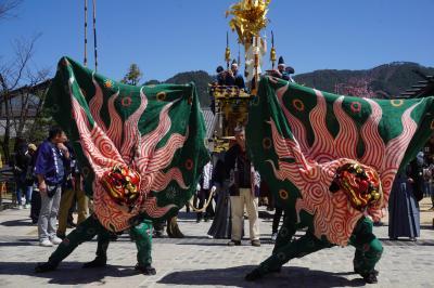 古川祭りと高山市内散策(二日目完)?昼間のハイライトは豪華屋台行列とカラクリ奉納。神楽台の大太鼓や宮本組の獅子舞のパフォーマンスも圧巻です?