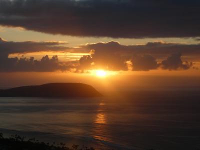 【2019年オアフ島】その6 今回もハワイを歩くのだ!朝の弱い娘も早起きしてダイヤモンドヘッドの日の出を見に行く
