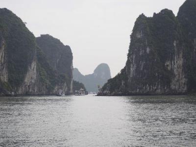 ベトナム航空日本就航25周年記念セール 激安エコノミーで行くハノイ・ハロン湾の旅②★バッチャン村・世界遺産 絶景のハロン湾クルーズ