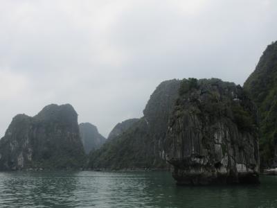 ベトナム航空 往路ビジネスクラス 復路プレミアムエコノミー ハノイ ハロン湾満喫4日間 前半
