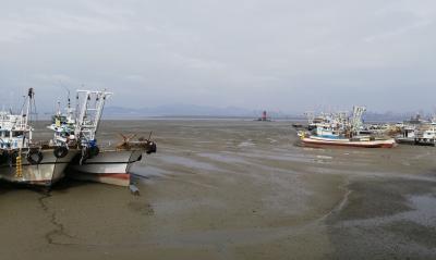群山市 鎮浦海洋テーマ公園で艦艇の中に入る