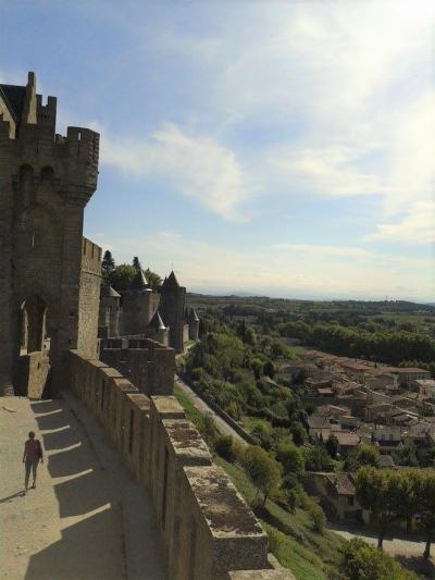 世界遺産・歴史的城塞都市カルカソンヌとナルボンヌ観光