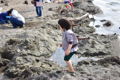 子連れドライブ旅行 初めての道東2 砂を掘ったらお湯が出た!