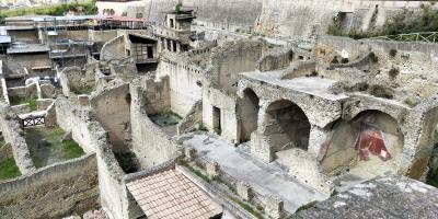 ANA特典マイルで行くシチリア旅行 ③ポンペイとナポリ観光、フェリーでパレルモへ