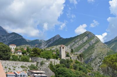 モンテネグロ 海に山に鉄に♪1 ポドゴリツァ、バル