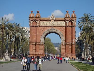 バルセロナを歩く (4.4) 凱旋門を通って、シウタデリヤ公園へ。