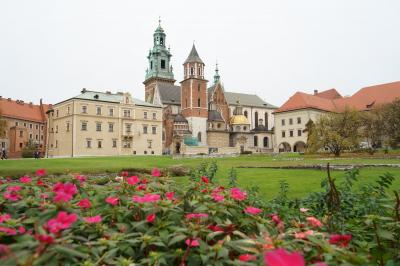 紅葉で黄金に輝く秋のポーランド堪能旅行 【15】クラクフ旧市街 街歩き