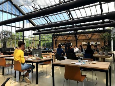 2019年春ヨーロッパ旅行3ーアムステルダム散歩と温室レストラン「DE KAS」