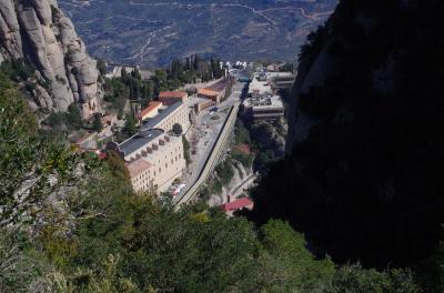 スペイン語学習仲間とバルセロナ自由旅行 3 現地旅行社のミニバンによる「モンセラットとワイナリ」一日ツアー モンセラート