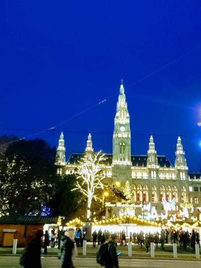 ウィーン一人旅〜絢爛豪華、ザッハトルテ、Xmasマーケット、立ち見オペラ〜