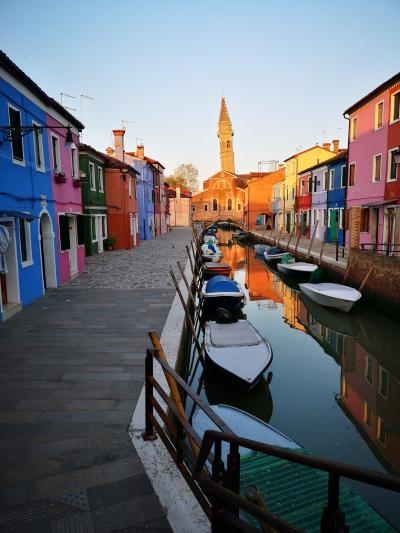 迷わず我が家に帰るためには、我が家は何色にすべき?ブラーノ島で言葉巧みに乗せられ同じ過ち
