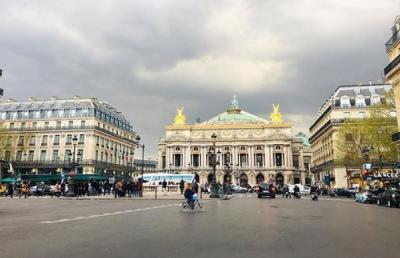 パリ オペラ地区での1日を満喫