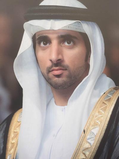 UAE   ~    ドバイ  の   裏通り ...................   2019