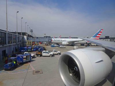 デトロイトからAA/JAL便にて帰国(シカゴ経由)