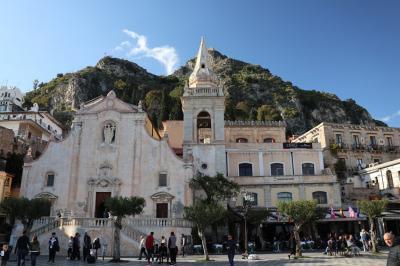2019 文明の十字路シチリア島周遊の旅 10日間 (6) タオルミーナ