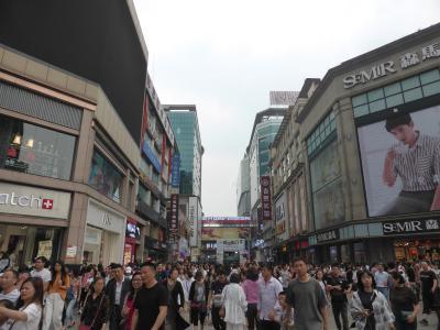 5歳の娘を連れてGW四川省+重慶10日間の旅6-祝日恐るべき!人多すぎの成都春煕路と寛窄巷子