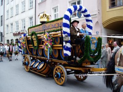 2007年ドイツ&オーストリアの旅最終日、ミュンヘン街歩きをしていてホフブロイハウスのパレードに遭遇