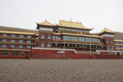 「Haruka in China(煙台、西寧、青海省 果洛藏族自治州) + Korea」vol.5 標高3700mにあるお寺、喇日寺へ