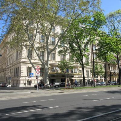 (VIII)リッツカールトンウィーンに泊まって街歩き。クラブスイートはSupreme luxury