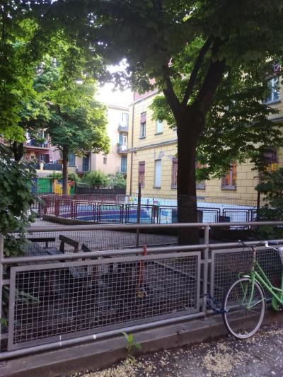 ボローニャ歩き3~ボローニャ駅とアパート
