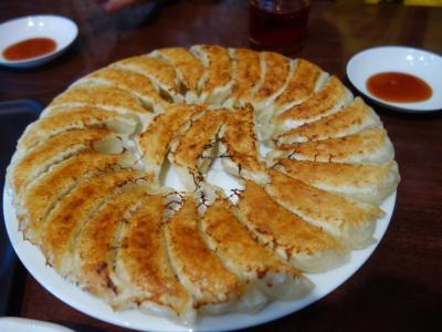 浜松餃子を食べにクルマを飛ばす。あっさり系で甘味があった。