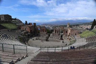 2019 文明の十字路シチリア島周遊の旅 10日間 (7) タオルミーナ徒歩観光