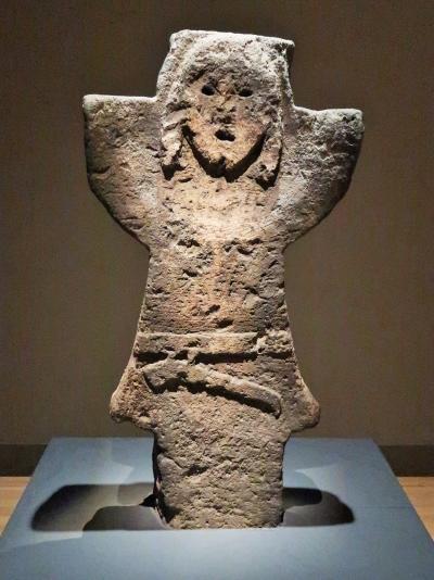 東博15 平成館a 考古展示室 古墳時代の 埴輪・石人など ☆帯金式甲冑は国宝