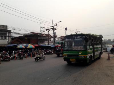 酷暑のタイ北部へ【その1】到着後、早速のバス移動