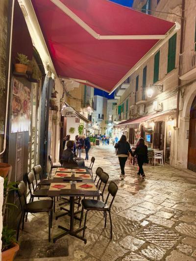 イタリアの踵、プーリアの風が 通るバーリ、モノポリ