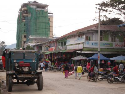 シーポー(ティーボー)逍遥(2018年12月ミャンマー)~その1:市場とシャン・カオスエ