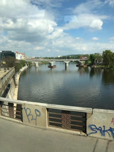 ウィーン・ベルリン音楽の旅        < その 2-1 >  街道を行く プラハ経由 ドレスデン