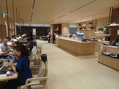 JAL成田空港ファーストクラスラウンジ