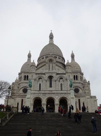 パリで年末年始2018-19⑤サクレクール寺院とラ・ヴァレ・ヴィラージュ(La Vallee Village)