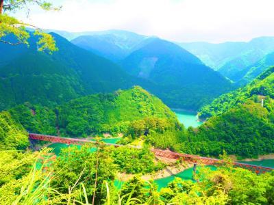 エメラルドグリーンの湖上、大井川鐵道で巡る自然豊かな静岡