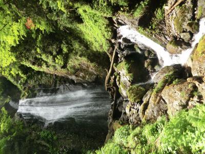 夏油・七湯と八幡平・ふけの湯 新緑の抱返り渓谷