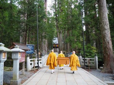 【軽キャン旅】GW 和歌山満喫の旅〈3〉早朝の奥の院&高野山グルメ