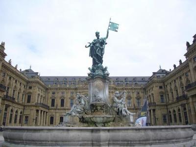 ドイツ ロマンティック街道6日間の旅(7) ヴュルツブルク