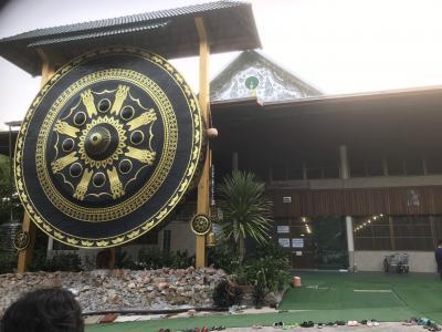 タイ東北部ウドンタニで、托鉢朝食会に御相伴