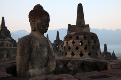 インドネシアの遺跡を訪ねる旅 ジャワ島・ボロブドゥール遺跡周辺編