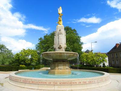 レジスタンス記念碑 北アフリカ戦線追悼碑 アルメニア人ジェノサイド追悼碑 2019年5月 フランスロワール地域 8泊10日 (個人旅行)22