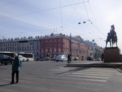 サンクトペテルブルグで7泊(8): ネフスキー大通りや,一人旅行者向きのカフェテリア・レストラン