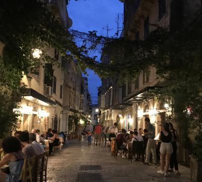2018年 お盆休みの ギリシャ《13》 コルフ島 旧市街散策 と レストラン・ポルタレムンダ