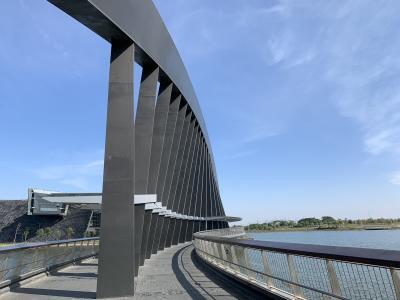 台湾(18)とどめの鶏肉飯から曲線美/故宮博物院南院